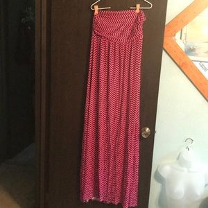 Strapless pink and navy zigzag dress